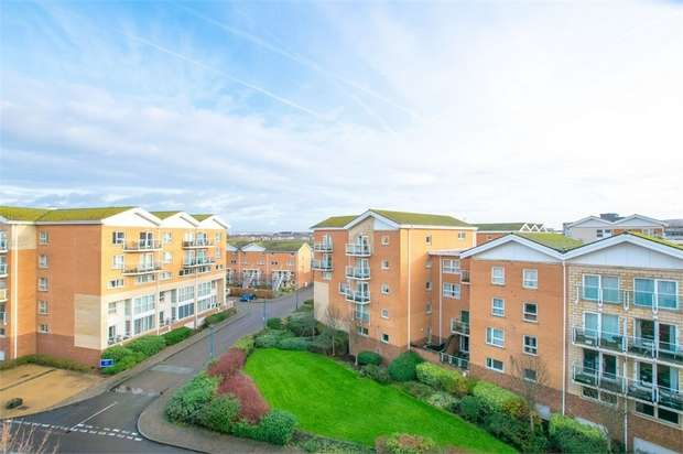 2 Bedrooms Flat for sale in Penstone Court, Chandlery Way, Cardiff, South Glamorgan