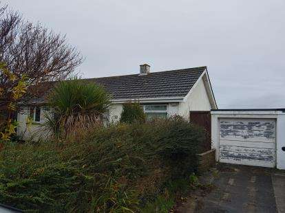 2 Bedrooms Bungalow for sale in Breage, Helston, Cornwall