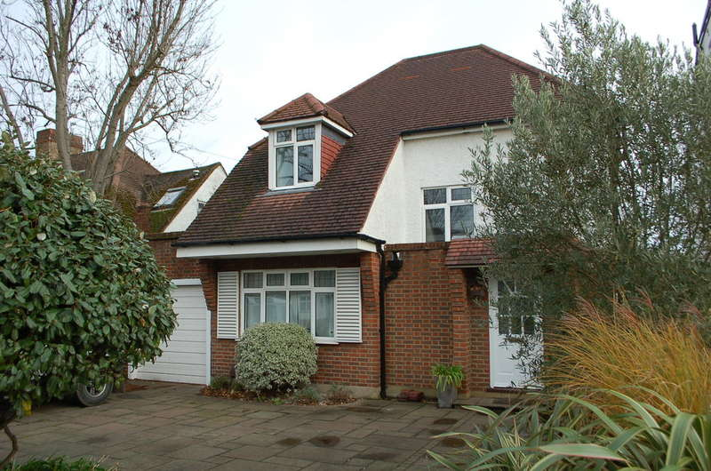 4 Bedrooms Detached House for sale in Hampton