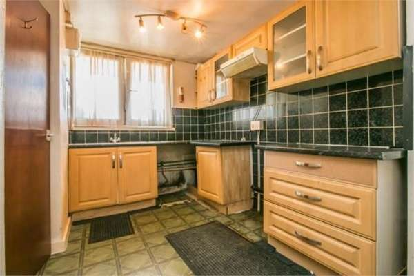 1 Bedroom Flat for sale in Woodland Grove, London
