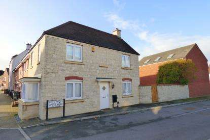 3 Bedrooms Detached House for sale in Zura Avenue, Brockworth, Gloucester, Gloucestershire