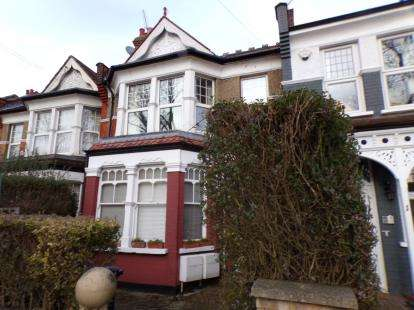 3 Bedrooms Flat for sale in Woodside Lane, ., North Finchley, London