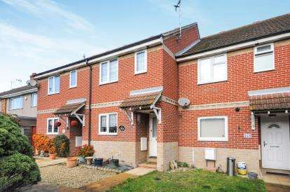 2 Bedrooms Terraced House for sale in Sutton Road, Rochford, Essex