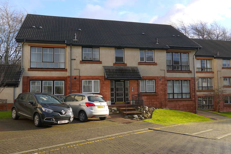 2 Bedrooms Ground Flat for sale in Towans Court, Prestwick, KA9