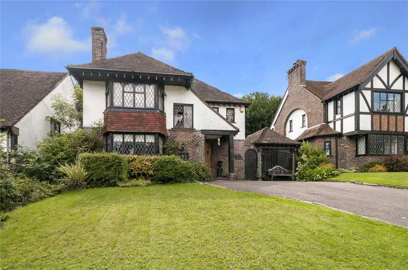 3 Bedrooms Detached House for sale in Woodland Drive, Hove, East Sussex, BN3