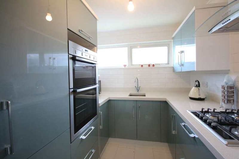 2 Bedrooms Maisonette Flat for sale in Viking, Bracknell