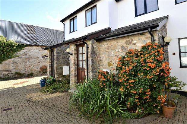 1 Bedroom Flat for sale in Hoskings Court, Strode Road, Buckfastleigh, Devon