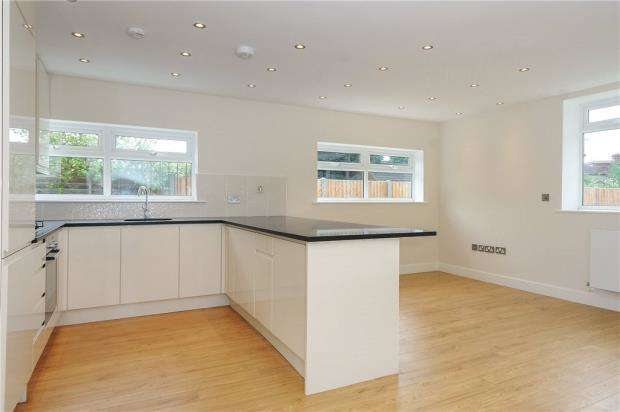 6 Bedrooms Detached House for sale in Stanwell Road, Ashford, Surrey