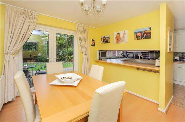 4 Bedrooms Detached House for sale in Sprucedale Gardens, WALLINGTON, Surrey, SM6 9LB