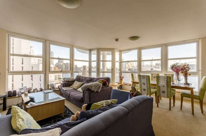 2 Bedrooms Flat for sale in Pierhead Lock, Canary Wharf, E14