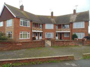 2 Bedrooms Flat for sale in Alinora Crescent, Goring-by-Sea, Worthing, West Sussex