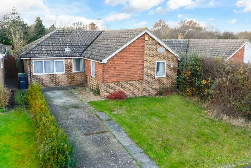 3 Bedrooms Detached Bungalow for sale in Green Lane, Platts Heath, Maidstone, ME17
