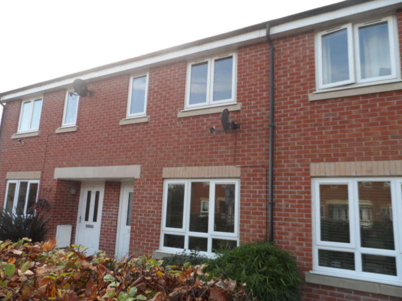 2 Bedrooms Terraced House for sale in Crooklands Gardens, Poulton Le Fylde, FY6 9EY