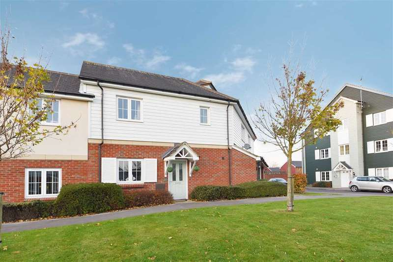 2 Bedrooms Maisonette Flat for sale in LYNN CRESCENT, TITCHFIELD COMMON
