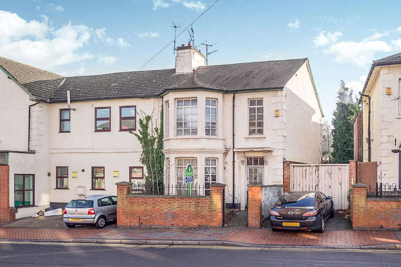 3 Bedrooms Semi Detached House for sale in Bentinck Road, Nottingham, NG7