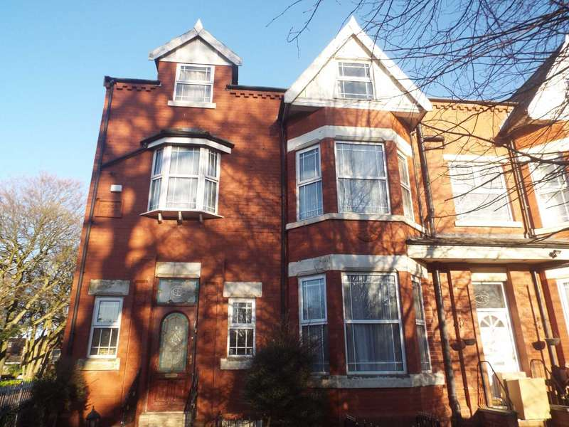 7 Bedrooms Semi Detached House for sale in Singleton Road, Salford