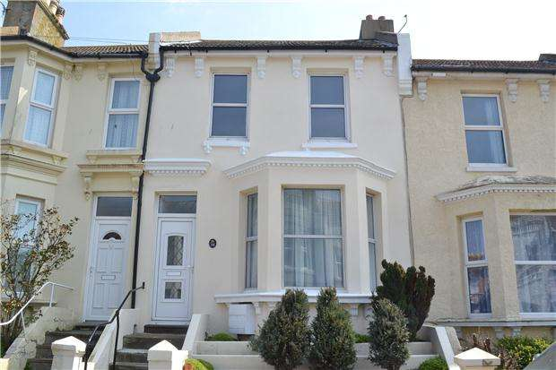 3 Bedrooms Terraced House for rent in st thomas road