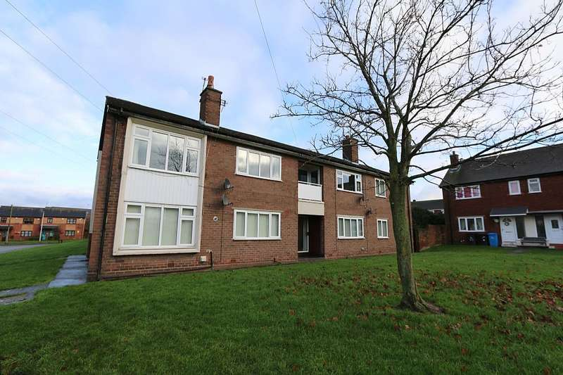 2 Bedrooms Flat for sale in Oak Drive, Runcorn, Cheshire, WA7 5HE