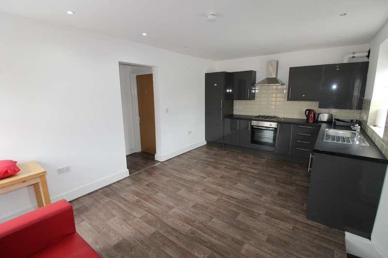 6 Bedrooms House for rent in Coburn Street, Cathays , Cardiff