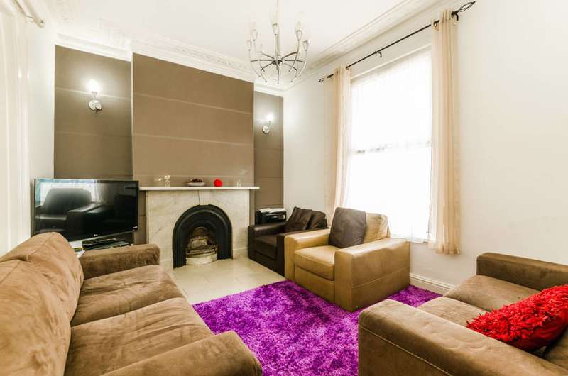 4 Bedrooms House for sale in Osborne Road, Forest Gate, E7