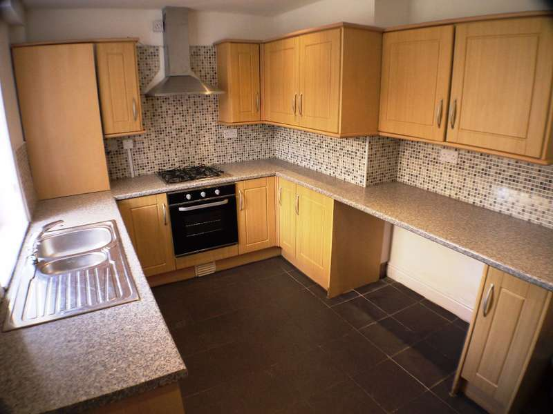 3 Bedrooms Terraced House for rent in Gloucester Road, Bootle, L20 9AN