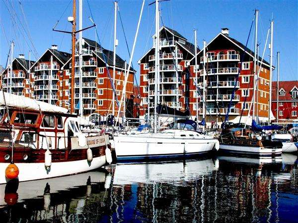 2 Bedrooms Apartment Flat for rent in Neptune Square, Ipswich