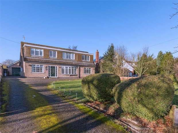 5 Bedrooms Detached House for sale in Station Road, Grasby, Barnetby, Lincolnshire