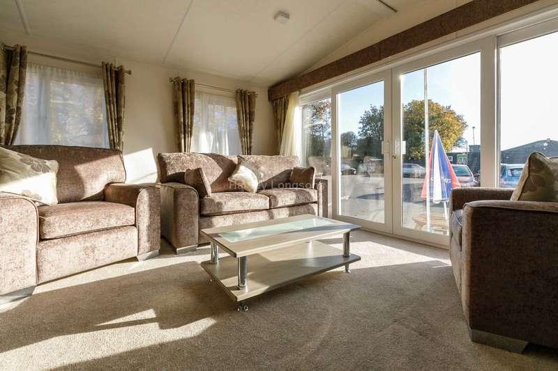 3 Bedrooms Caravan Mobile Home for sale in Clacton On Sea, Essex