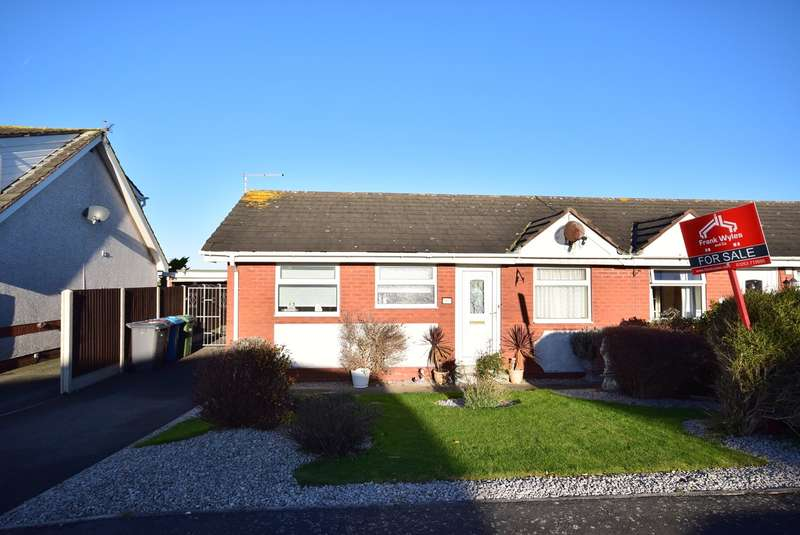 2 Bedrooms Bungalow for sale in Appealing Lane, Lytham St Annes, FY8