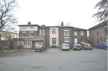 2 Bedrooms Flat for sale in Grove House, 11 King Street, Newcastle, Staffs, ST5 1EH
