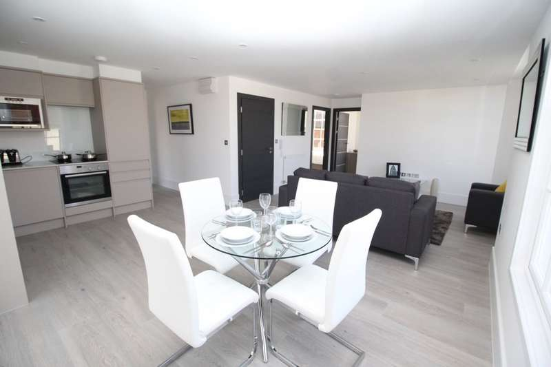 2 Bedrooms Flat for sale in Guildford Street, Chertsey, KT16