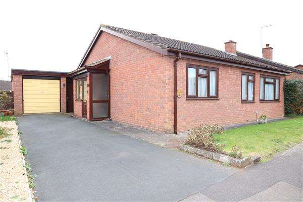 2 Bedrooms Detached Bungalow for sale in Court Road, 14,Court Road, Ross-on-Wye