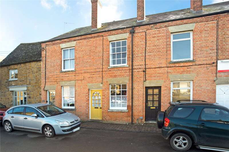 2 Bedrooms Terraced House for sale in Market Place, Deddington, Banbury, Oxfordshire, OX15