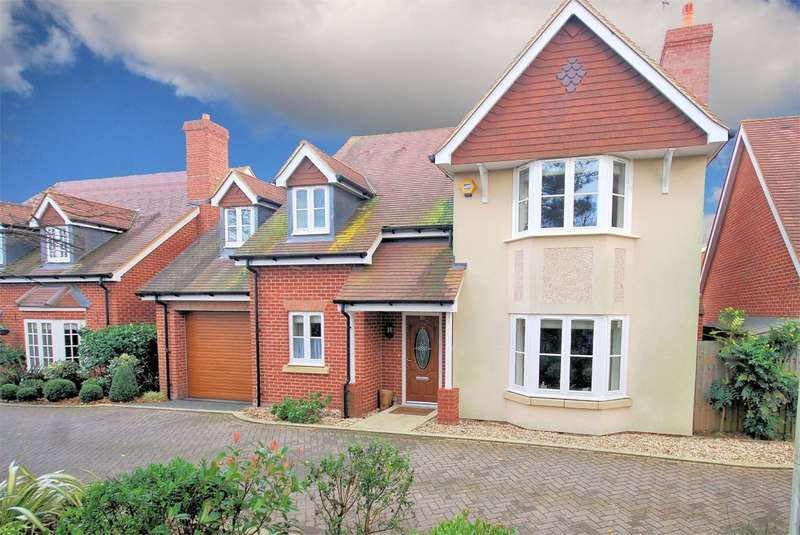 4 Bedrooms Detached House for sale in Cruickshank Drive, Wendover, Aylesbury, HP22