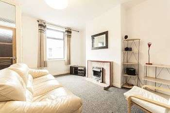 2 Bedrooms Terraced House for sale in Ripponden Road, Oldham, OL1
