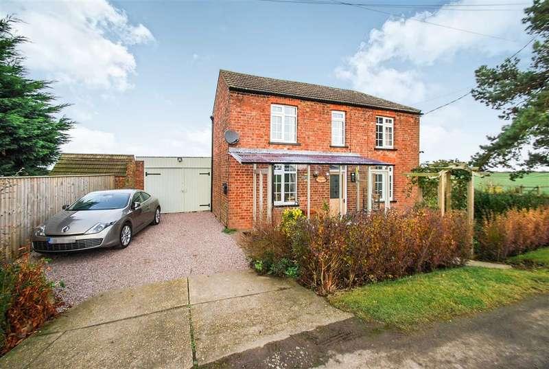 2 Bedrooms Detached House for sale in St Luke's School House, Back Lane, Wainfleet Bank