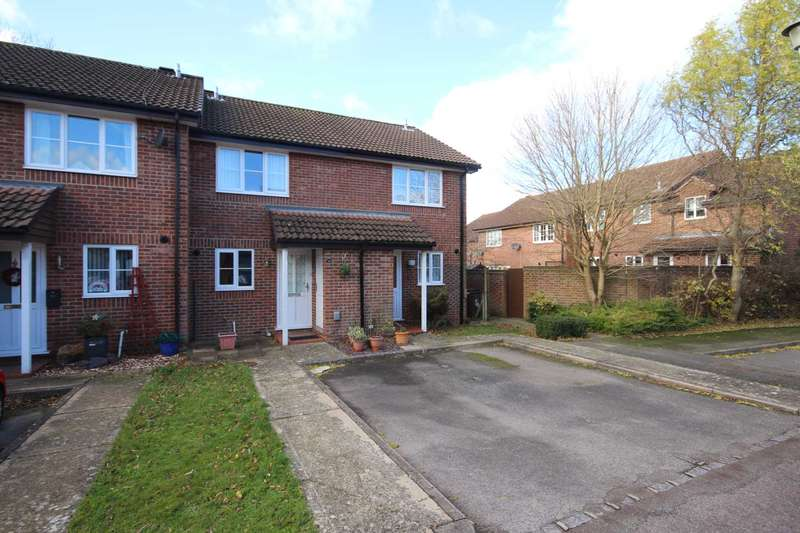 2 Bedrooms House for sale in Angel Place, Binfield