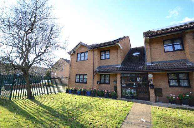 2 Bedrooms Retirement Property for sale in Coulson Way, Burnham, Slough