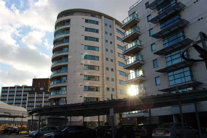 2 Bedrooms Apartment Flat for rent in Mercury Gardens, romford