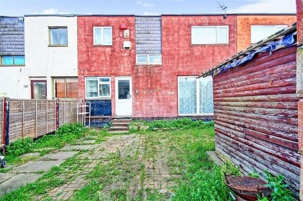 3 Bedrooms Terraced House for sale in Darwin Road, Tilbury, Essex