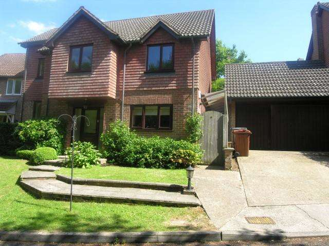 4 Bedrooms Detached House for rent in Gorse Hill, Broad Oak, TN21 8TW