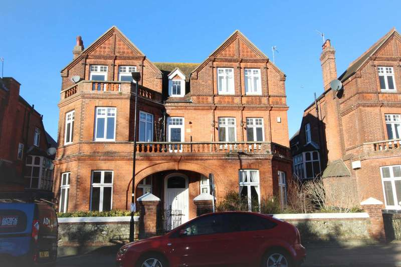 3 Bedrooms Flat for sale in Hartfield Road, Eastbourne, BN21 2AP