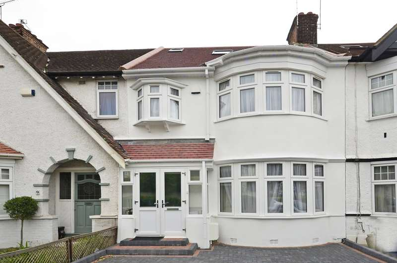 4 Bedrooms House for rent in Woodberry Grove, North Finchley, N12