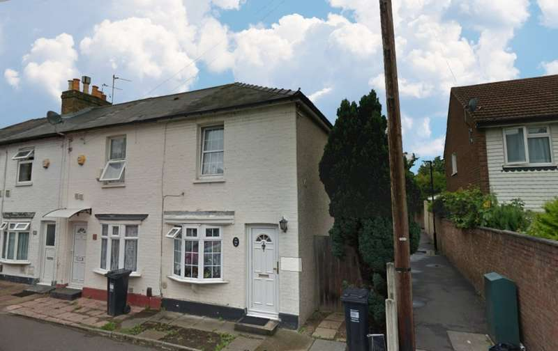 2 Bedrooms Terraced House for rent in Martindale Road, Hounslow, TW4