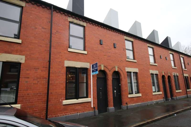 2 Bedrooms Terraced House for sale in Reservoir Street, Salford, M6