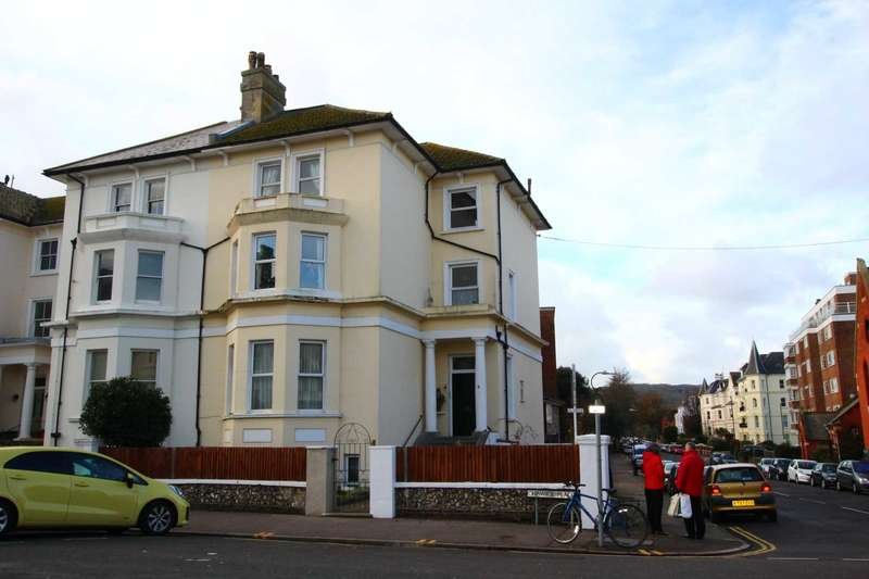 2 Bedrooms Flat for sale in Chiswick Place, Eastbourne, BN21 4NH