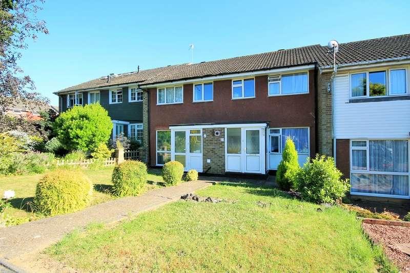 3 Bedrooms Terraced House for rent in Cherwell Close, Tonbridge