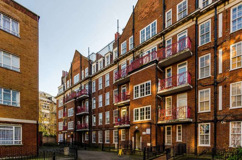 3 Bedrooms Flat for sale in Adelina Grove, Whitechapel, E1