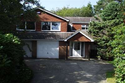 4 Bedrooms Detached House for rent in Forest Park, Crowborough
