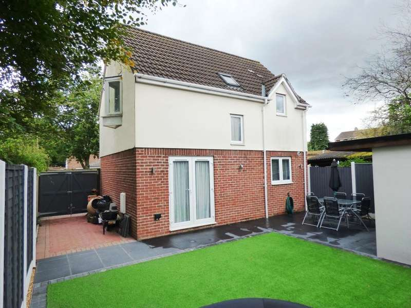 3 Bedrooms Detached House for sale in 10 YEAR OLD DETACHED HOUSE! WELL PRESENTED THROUGHOUT AND LOW MAINTENANCE REAR GARDEN